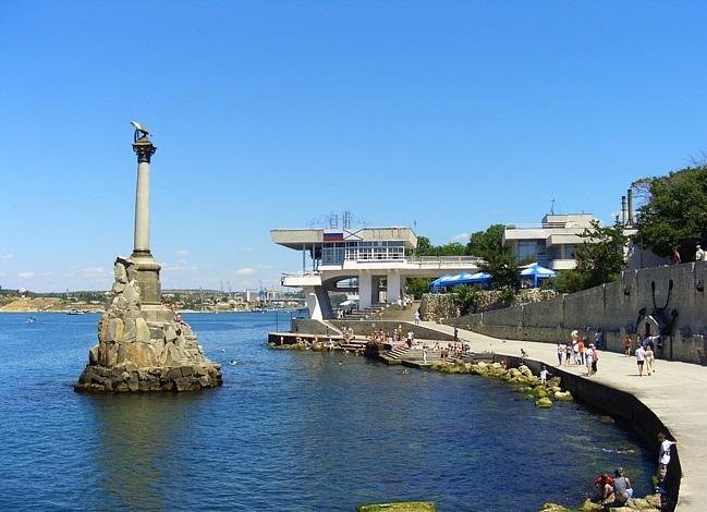 Куда лучше поехать в Крым?