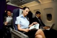Закладывает уши в самолете: что делать?