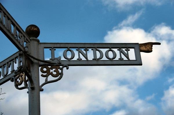 Самолеты каких авиакомпаний летают в Лондон?