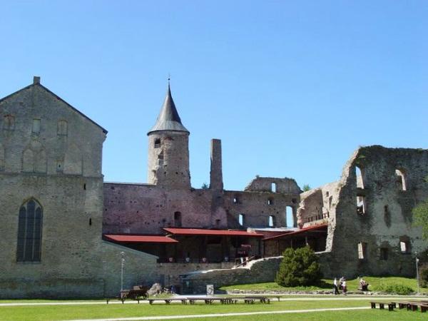 Хаапсалу — Епископский замок