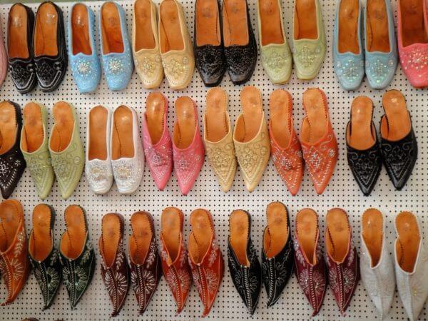 Что можно привезти из Туниса: одежда и обувь