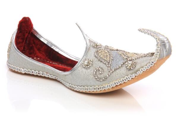 Сувениры из Марокко: обувь и одежда