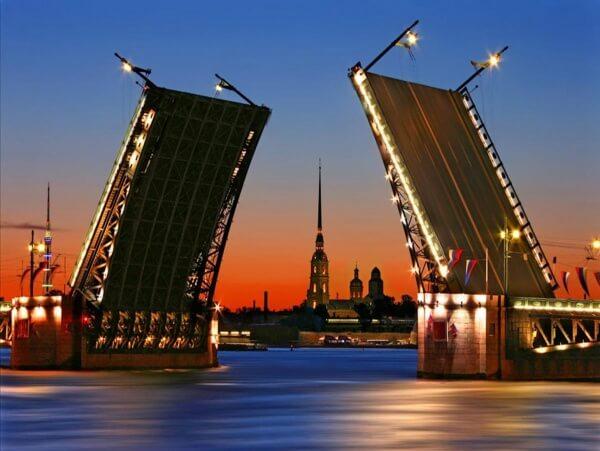 Переехать в Санкт-Петербург