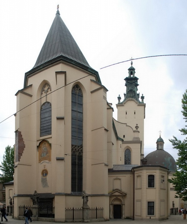 строение Латинского собора