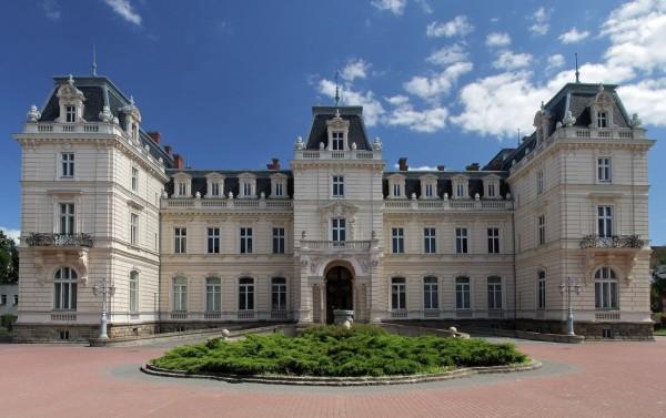 дворцовое сооружение Потоцких