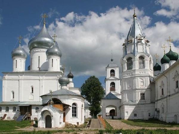 строение Никитинского монастыря