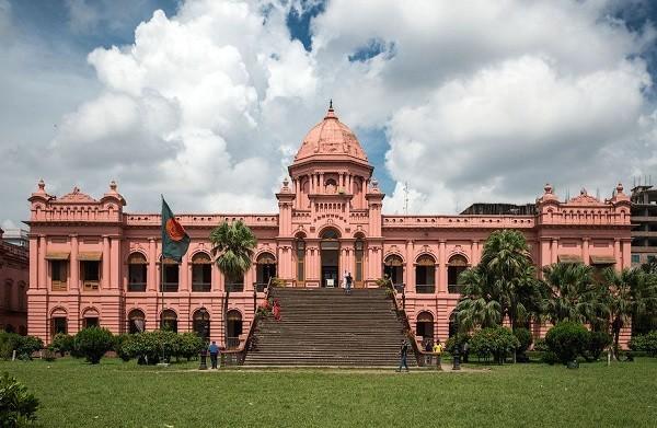 величественный Розовый дворец