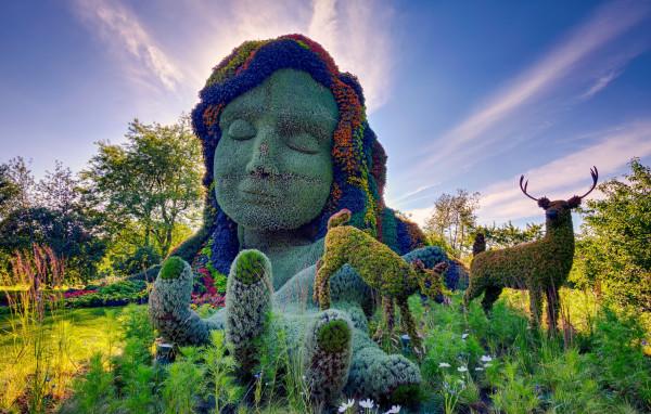 скульптуры в Ботаническом саду