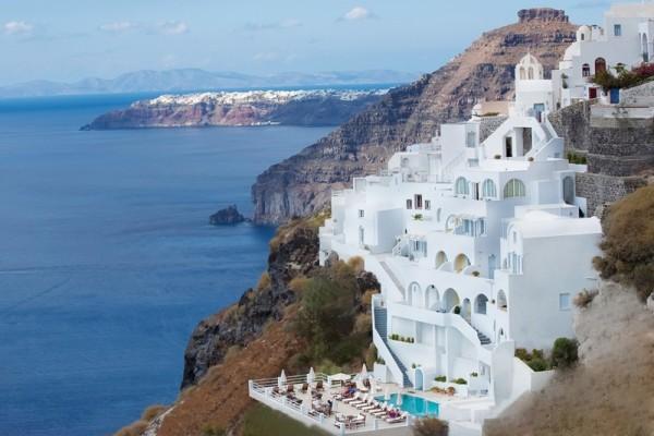лучшие гостиницы острова с видом на вулкан