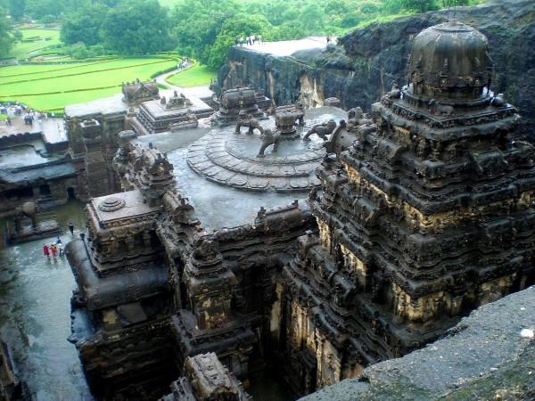 буддийские пещерные святилища