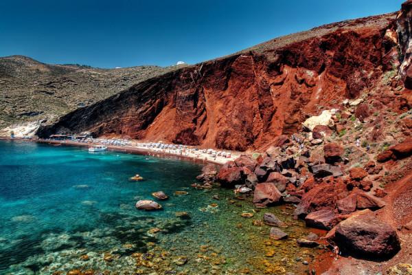 нерукотворный красный пляж