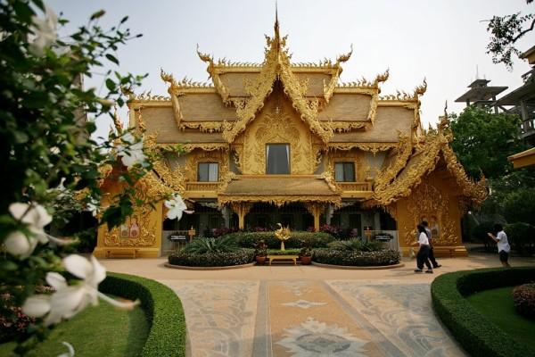 постройки храмовой территории