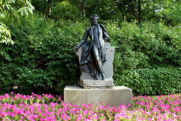 скульптура Пушкина